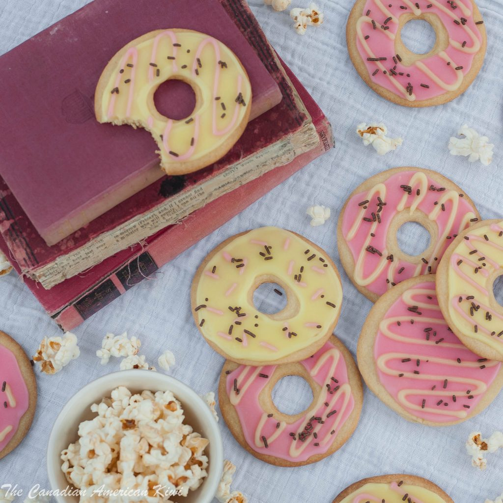 sugarcookiesdecorateddonuts
